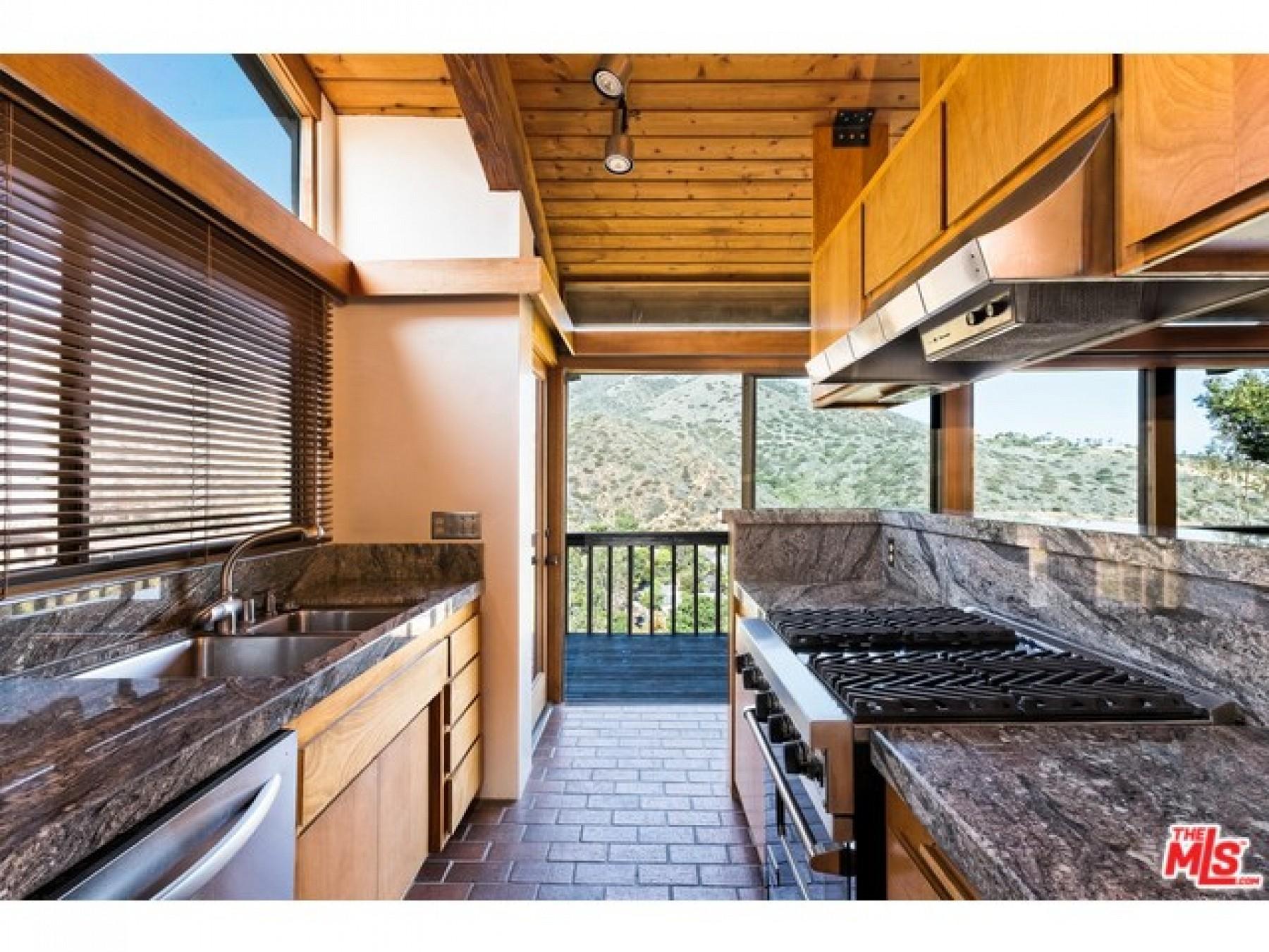 6146 TAPIA Drive, Malibu, CA 90265