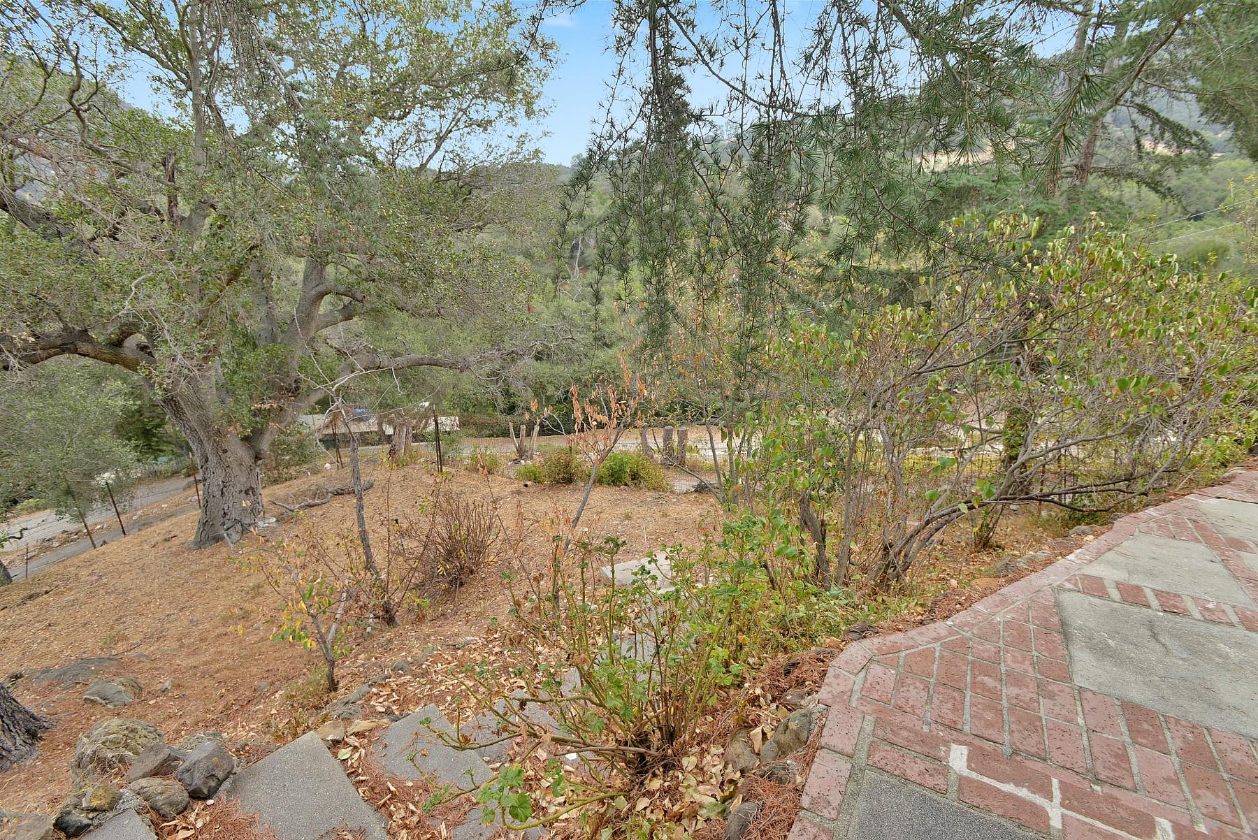 143 Old Church Road, Topanga, CA 90290