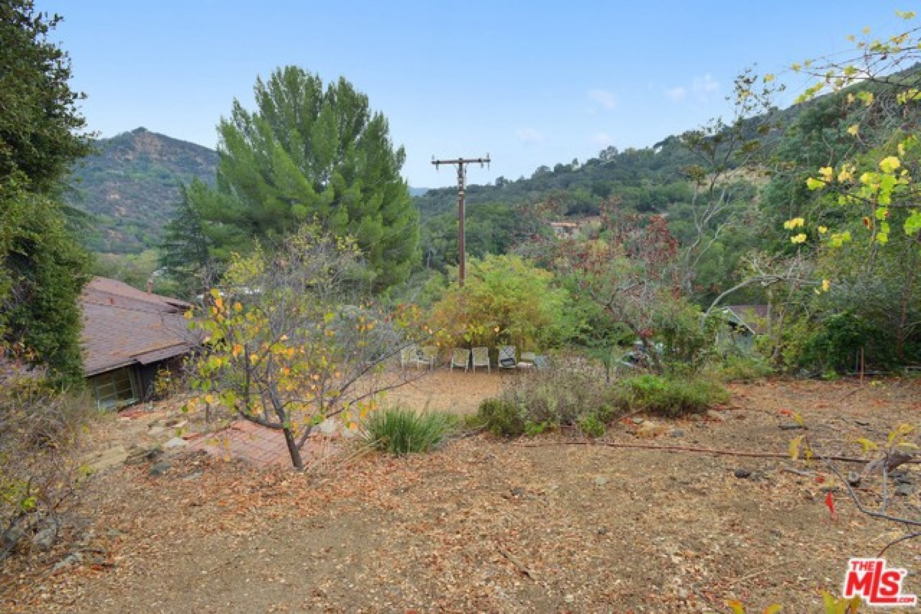 143 Old Church Road, Topanga, CA 90290